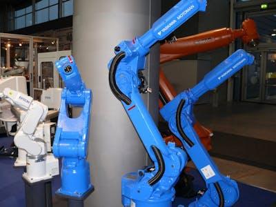 Industrieroboter (Knickarmroboter) von Yaskawa, Kuka und Epson