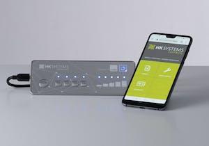 Eingabesystem mit integrierter tap2.cloud Technologie und ein Smartphone